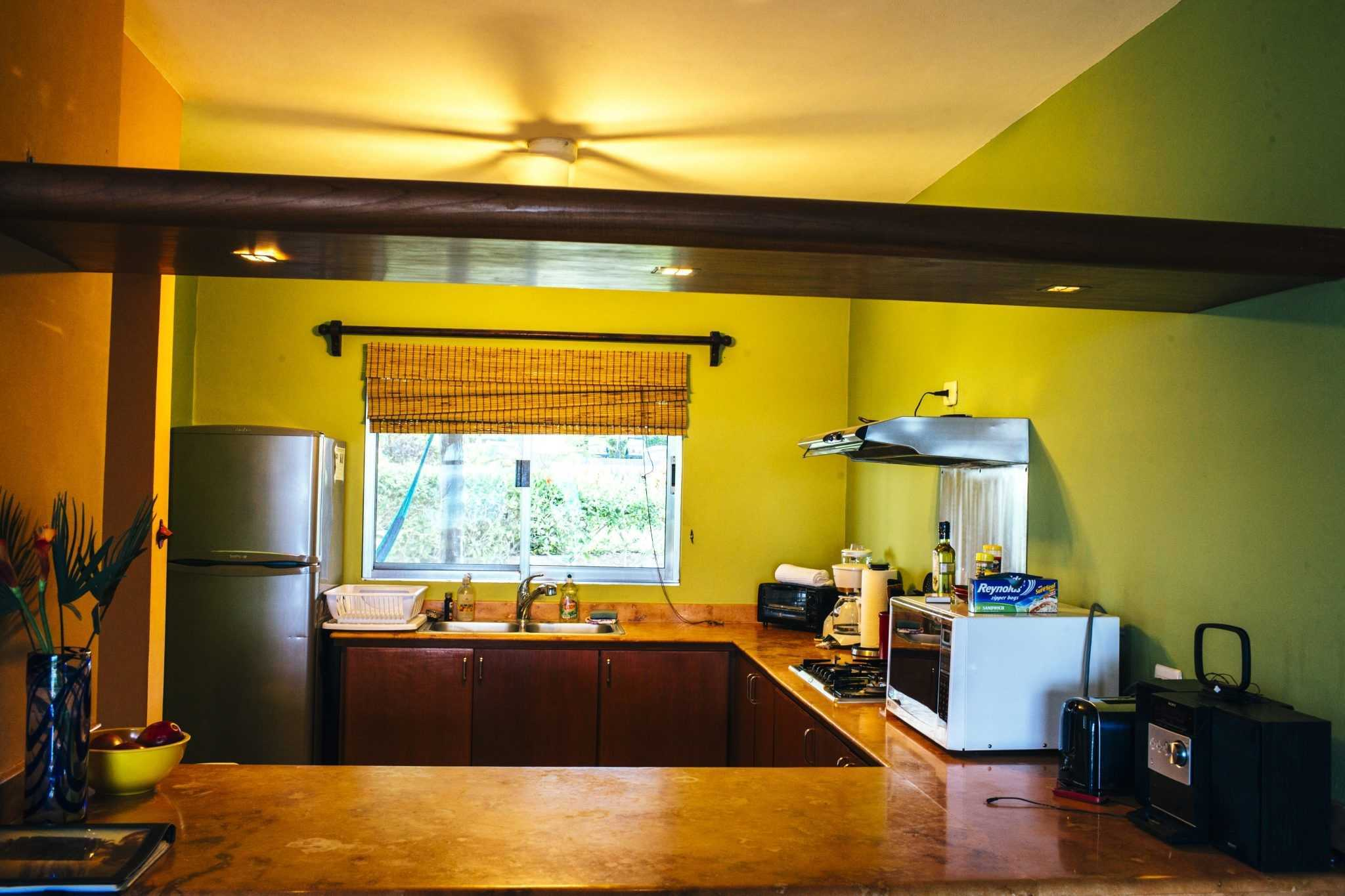 Casita B - Kitchen