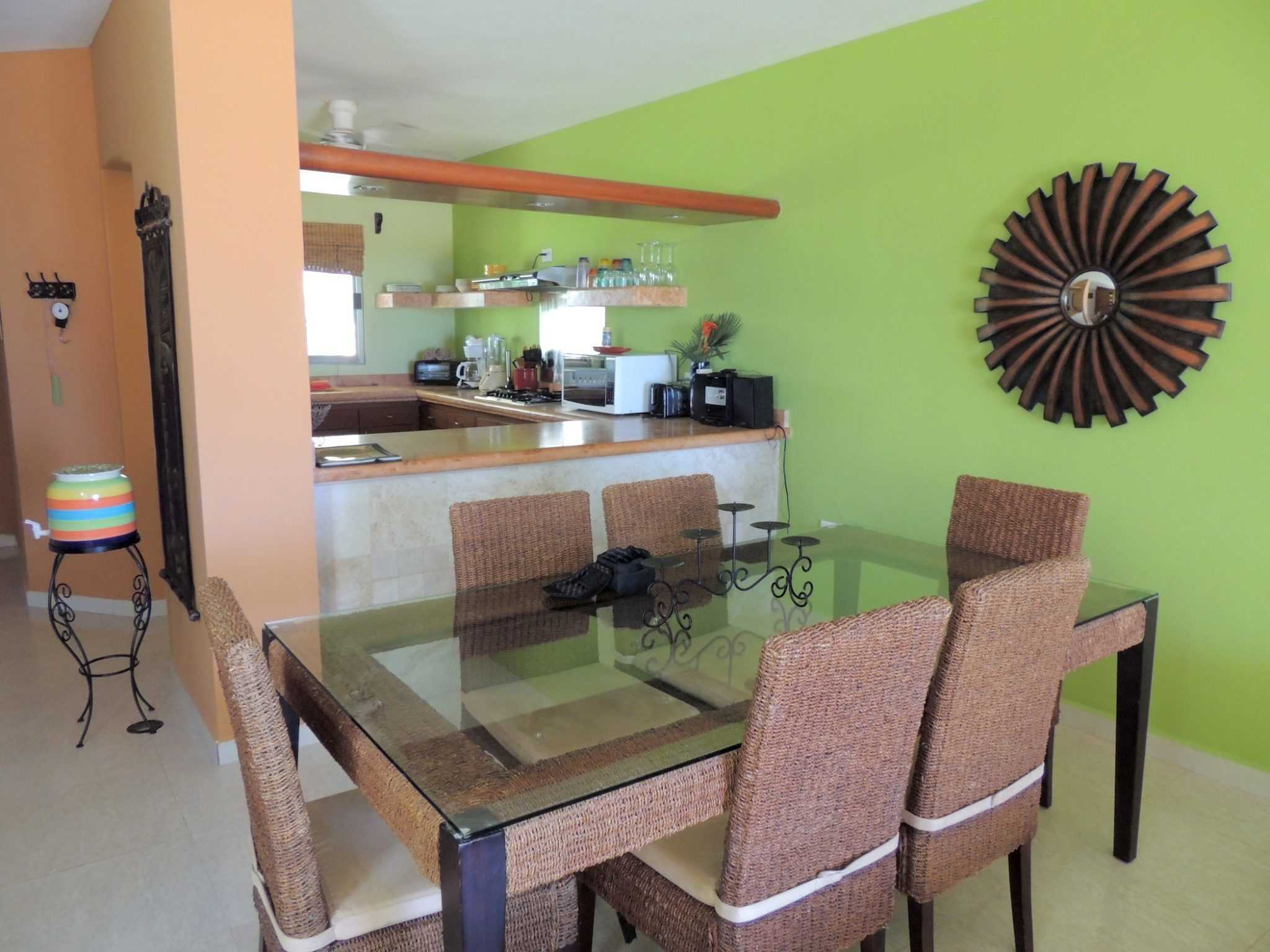 Casita B - Kitchen + Dining