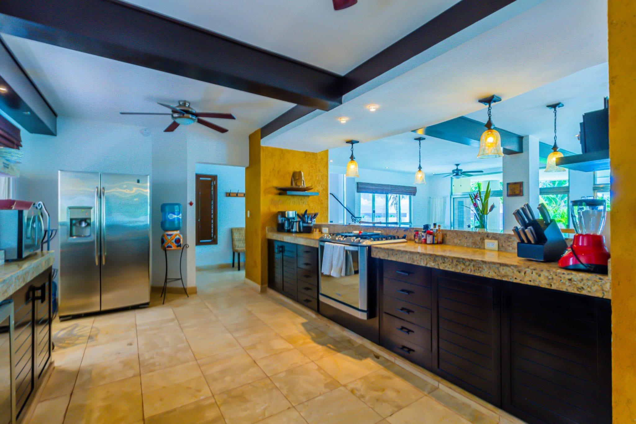 Main Villa - Kitchen